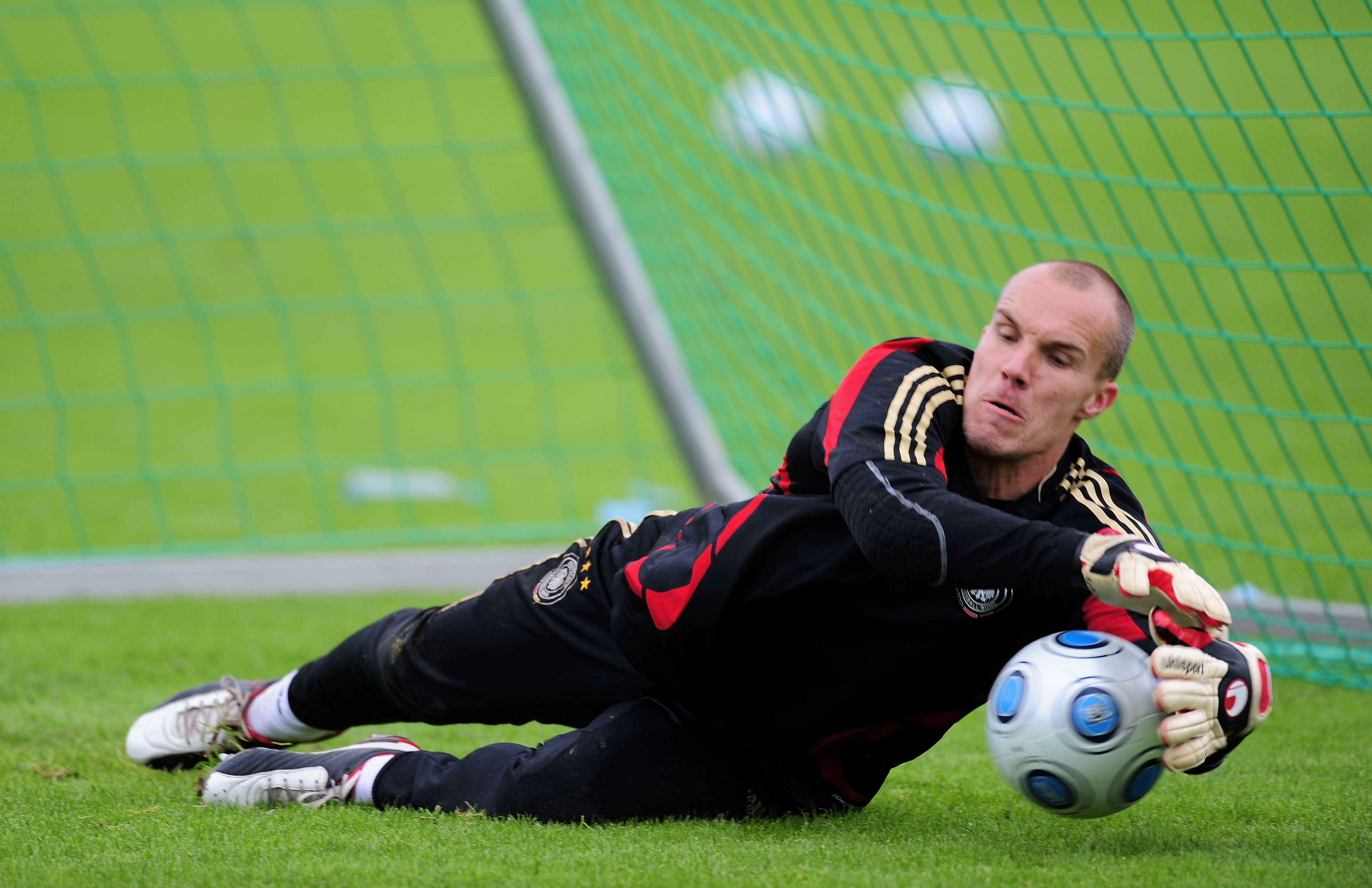 COLOGNE, GERMANY - SEPTEMBER 06: Robert Enke of Germany is seen during a training session of the German national football team at the Sued Stadium on September 6, 2009 in Cologne, Germany. (Photo by Stuart Franklin/Bongarts/Getty Images)