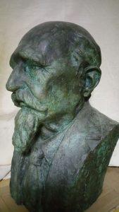 Busto de Echegaray.
