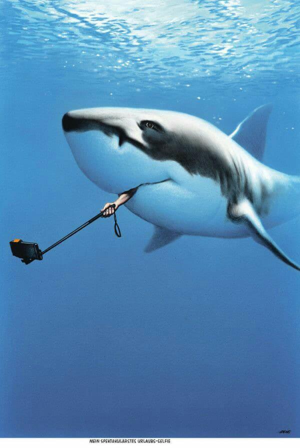 Reportero- youtuber inmortalizando la experiencia de ser zampado por un tiburón. Vía Facebook (fuente: Suffle Sketch)